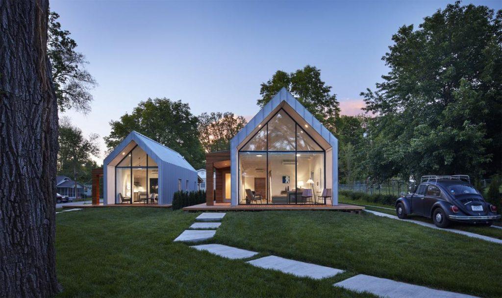 minimál stílusú ház magas tetővel